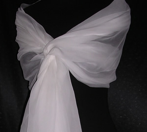 PD019PL – 100% Silk Chiffon Large Shawl – PLAIN Available in Plain  Paper White or Black Size  125 x 200 cms Price £26.99